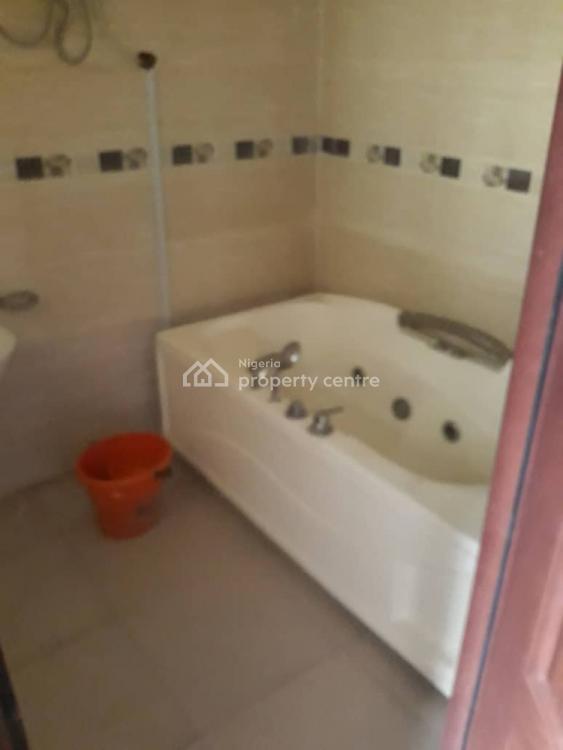 Well Renovated 5 Bedrooms Semi Detached Duplex with Bq, Chevron, Lekki Phase 2, Lekki, Lagos, Semi-detached Duplex for Rent