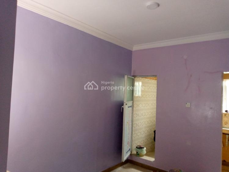 Roomself, Fola Agoro, Yaba, Lagos, Flat for Rent