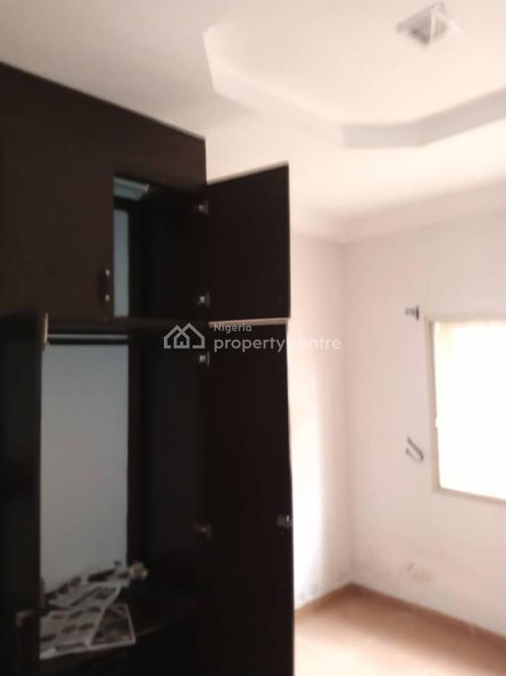a Superb and Decent Newly Renovated 3 Bedroom Flat, Magodo Gra Phase 1, Magodo, Lagos, Flat for Rent