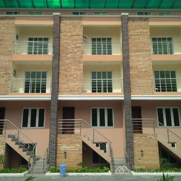 For Rent: Serviced 4 Bedroom Townhouse With Bq , Osapa