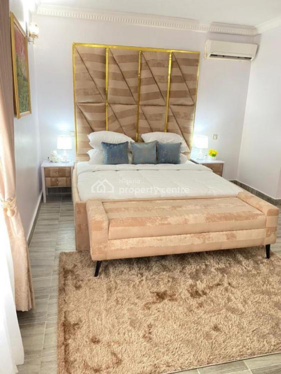 Tasteful Three Bedroom Apartment, Off Admiralty Way, Lekki Phase 1, Lekki, Lagos, Flat Short Let