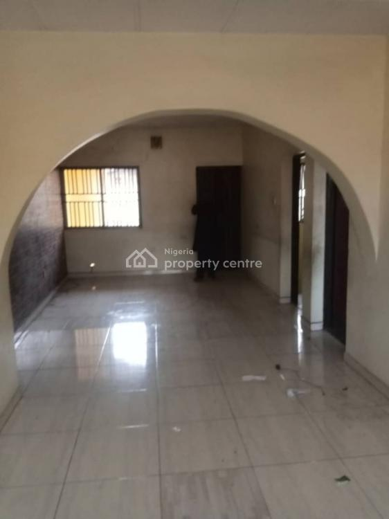 Lovely 2 Bedroom Flat in a Cool Environment, Obanikoro, Shomolu, Lagos, Flat for Rent