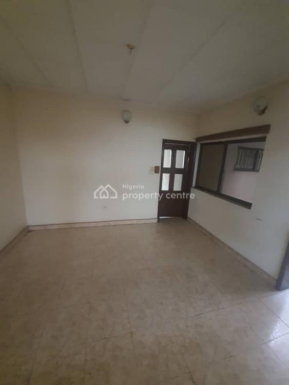 Nice 4 Bedroom Bungalow Self Compound, Otedola, Omole Phase 2, Ikeja, Lagos, Detached Bungalow for Rent