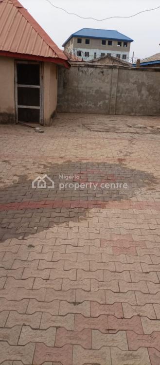 4 Bedrooms Duplex with Twin 2 Bedrooms Flat, Ologuneru, Ibadan, Oyo, Detached Duplex for Sale