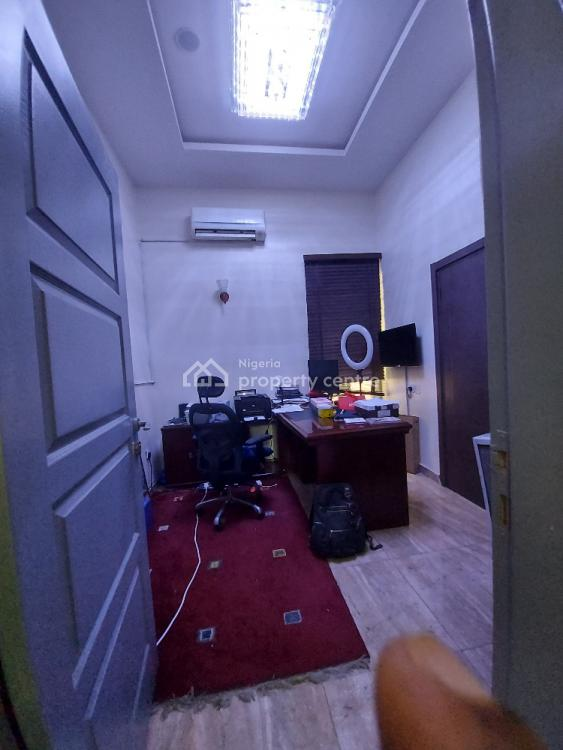 4 Bedroom Semi Detached with 1 Room Bq, Off Pinnock Beach Road, Osapa, Lekki, Lagos, Semi-detached Duplex for Sale