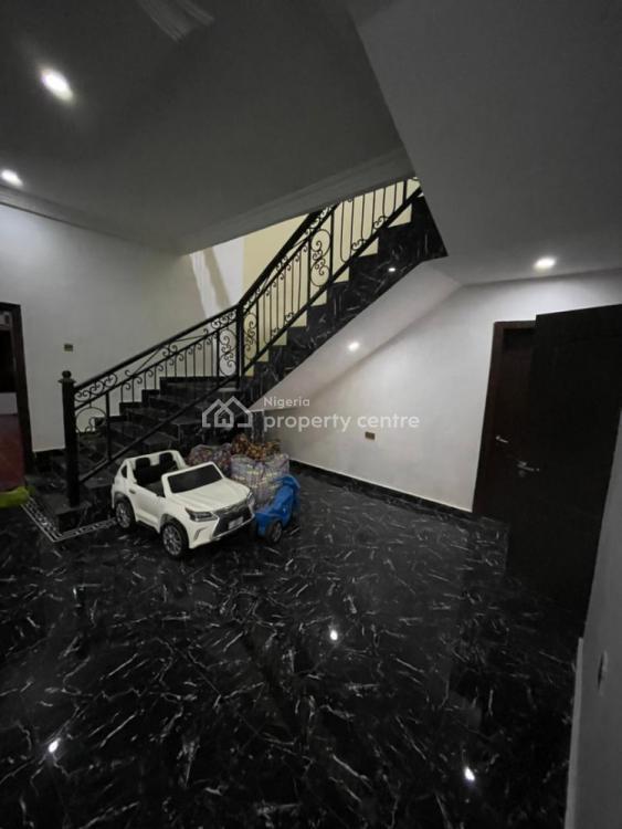 Luxury 6 Bedroom Fully Detached with 2bq, Lekki Phase 1, Lekki, Lagos, Flat for Rent