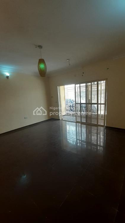 3 Bedroom Clean Apartment in a Serviced Estate, Chevy View Estate, Lekki, Lagos, Flat for Rent