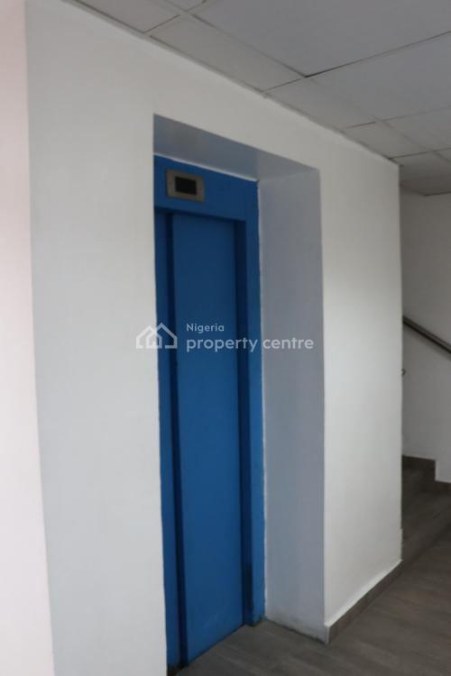 Well Maintained 4th Floor Office Spaces, Murtala Muhammed Way, Yaba, Lagos, Office Space for Rent