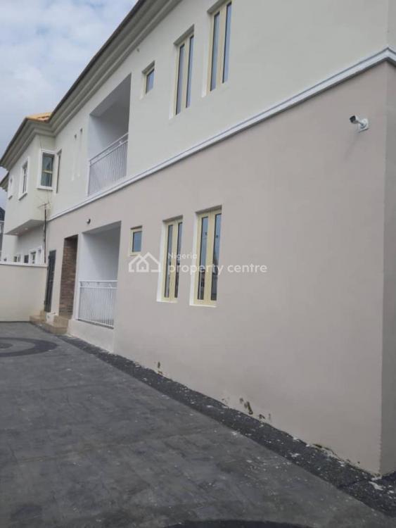a 3 Bedroom Flat, Ologolo,, Lekki, Lagos, Block of Flats for Sale