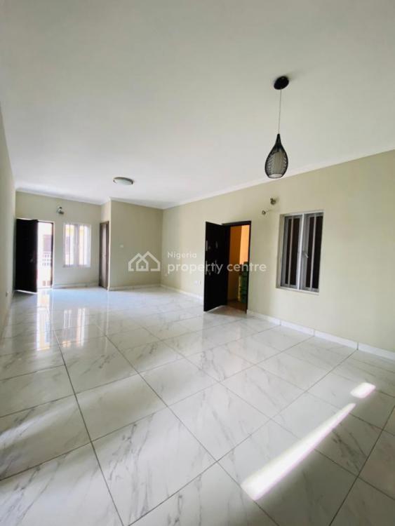 4 Bedrooms Terraced Duplex with a Room Bq, Ikota, Lekki, Lagos, Terraced Duplex for Sale
