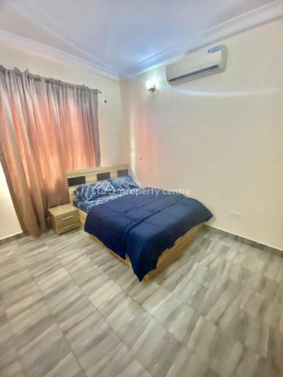 One Bedroom in a Shared Apartment, Ojulari Crescent, Ikate, Lekki, Lagos, Flat for Rent