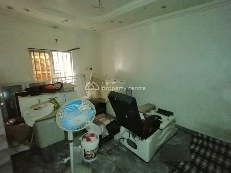 50sqm Space, Lekki Phase 1, Lekki, Lagos, Plaza / Complex / Mall for Rent