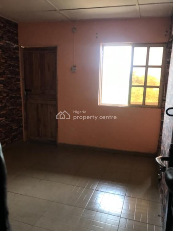 Nice Roomself Contained Apartment, Abuleoja, Yaba, Lagos, Self Contained (single Rooms) for Rent