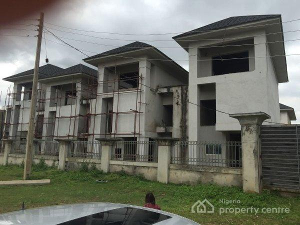 For sale uncompleted 8 units of 5 bedroom terrace duplex for Houses in abuja nigeria