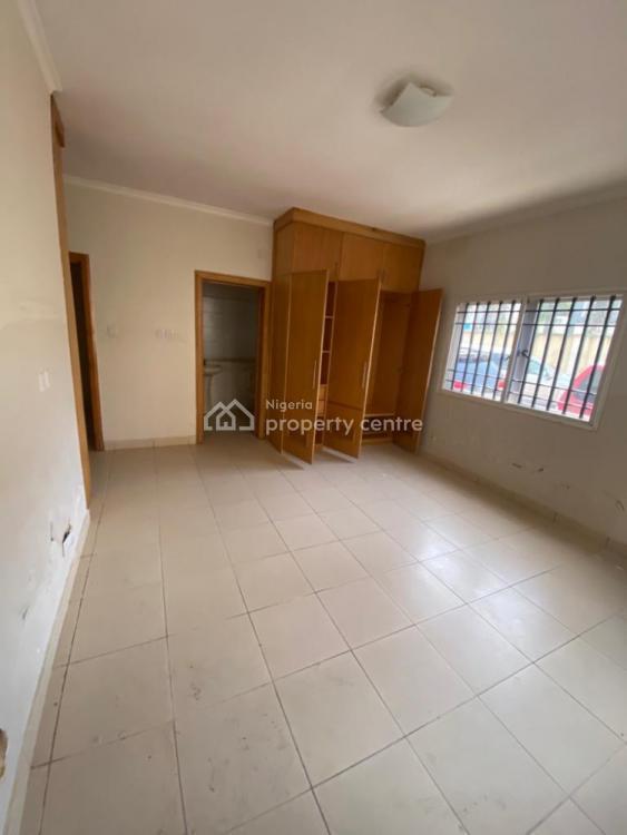 Nicely Built Three Bedroom Flat, Lekki Phase 1, Lekki, Lagos, Flat for Rent
