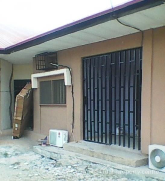 A lovely mini flat maryland lagos apro global real for Chantry flats cabins rental