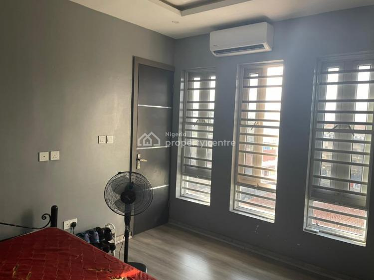 Massively Luxury Three Bedroom Flat + Bq, Alagomeji, Yaba, Lagos, Flat for Sale