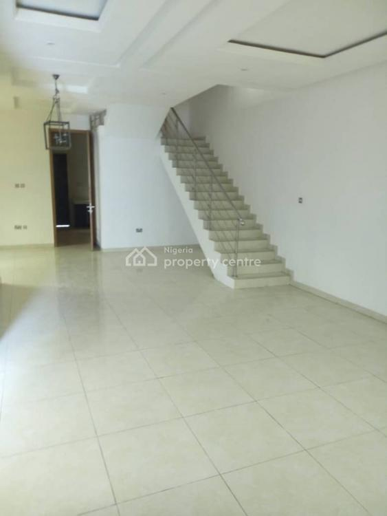 a Very Neat and Well Maintained 4 Bedroom Terrace with Bq, Lekki Phase 1, Lekki, Lagos, Terraced Duplex for Rent
