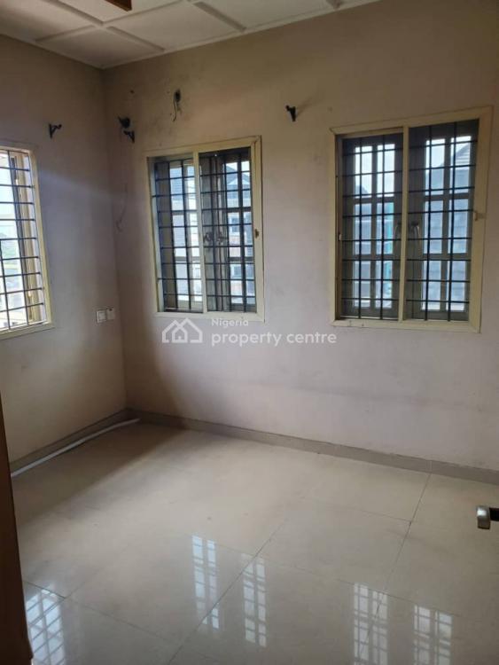 Decent and Well Built 3 Bedroom Flat Upstairs, Ilorin Street, Off Adelabu, Adelabu, Surulere, Lagos, Flat for Rent