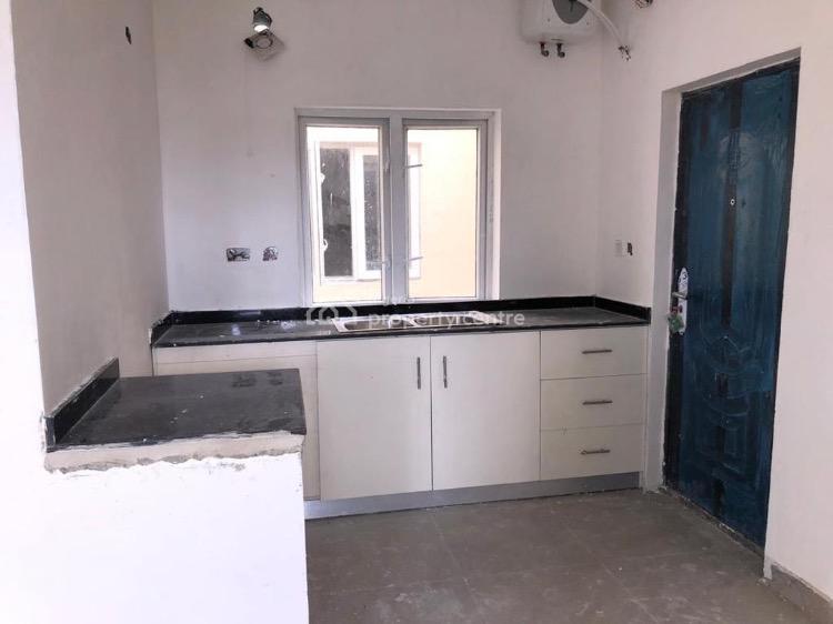 Spacious 3 Bedrooms Flat with 1 Room Bq, Ologolo, Lekki Expressway, Lekki, Lagos, Flat for Sale