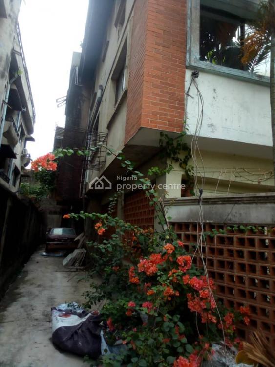 4 Bedroom Semi-detached Duplex, Moses Iguodala Street., Magodo, Lagos, Semi-detached Duplex for Sale
