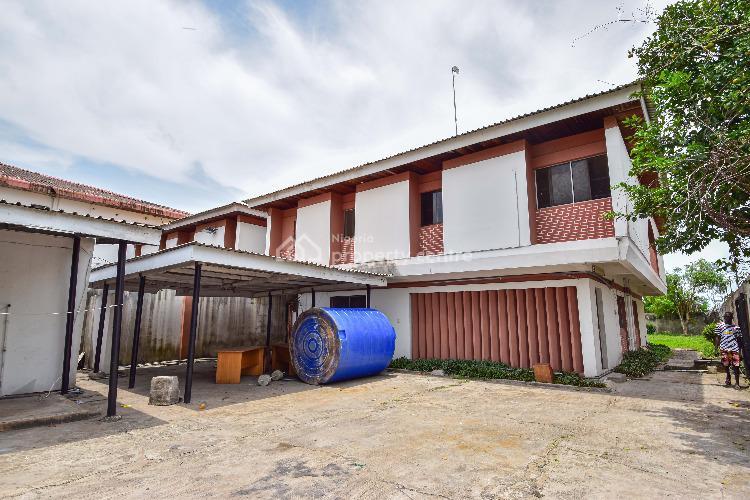 Massive 8 Bedroom Detached Duplex with 3 Rooms Bq, Akin Ogunlewe Street, Victoria Island (vi), Lagos, Office Space for Rent