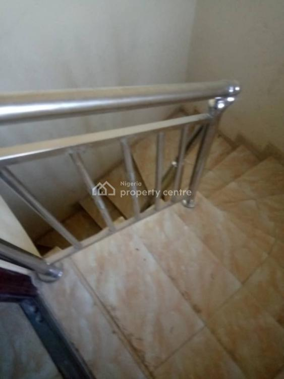 Nice 2 Bedroom Flat, Olowora, Magodo, Lagos, Flat for Rent