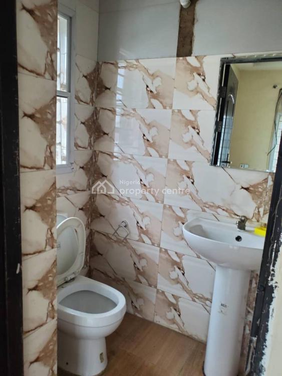Executive 3 Bedroom Flat, Jubri Martins Street Off Olufemi Street, Ogunlana, Surulere, Lagos, Flat for Rent