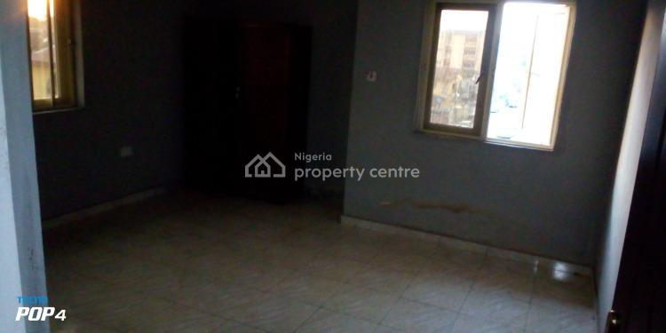 Executive and Spacious 2 Bedroom Flat, Off Herbert Macaulay Way, Alagomeji, Yaba, Lagos, Flat for Rent