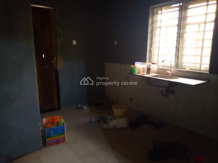 a 2 Bedroom Flat, Onike, Yaba, Lagos, Flat for Rent