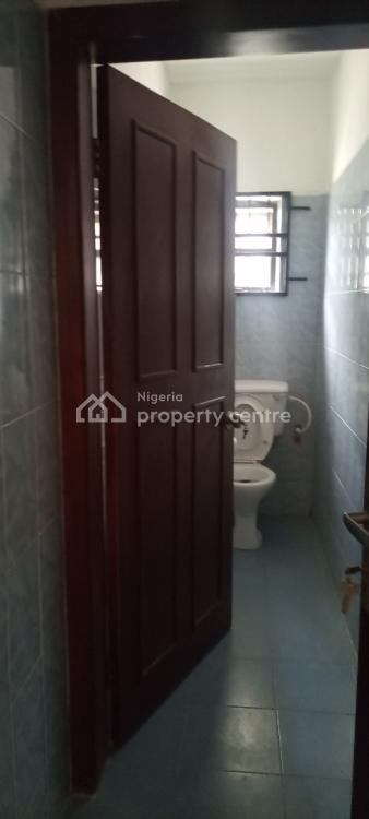 Very Spacious and Clean 3 Bedroom Flat, Second Tollgate, Lekki Phase 2, Lekki, Lagos, Flat for Rent