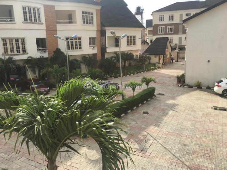 Standard 4 Bedroom Flat, Yabatech Gra, Yaba, Lagos, Flat for Sale