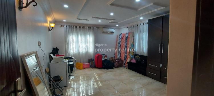 1 Bedroom in a Flat, Off Admiralty, Lekki Phase 1, Lekki, Lagos, Self Contained (single Rooms) for Rent
