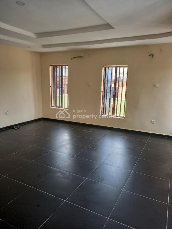 Executive Open Plan Show Room, Ogba, Ikeja, Lagos, Office Space for Rent