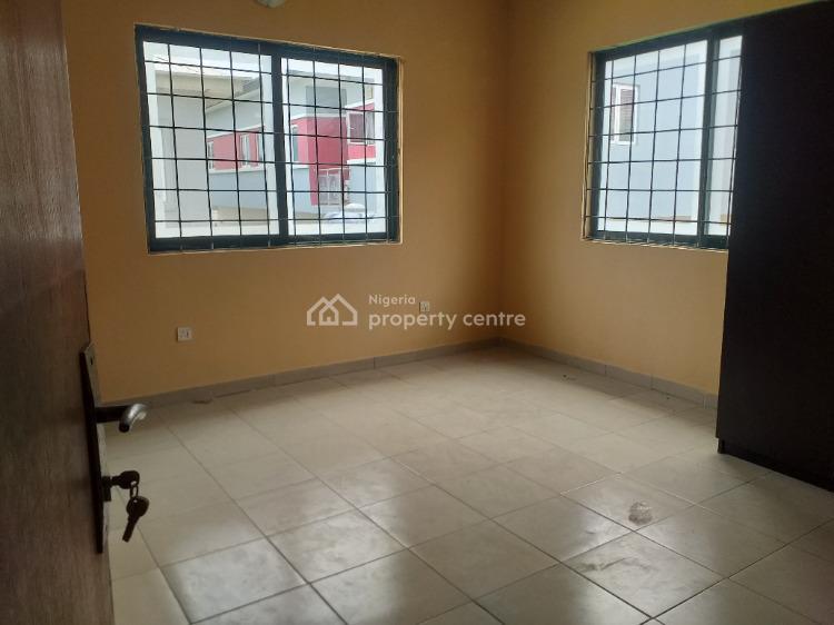 3 Bedrooms Duplex, All Rooms Ensuite with Room Bq, Lekki Phase 1, Lekki, Lagos, Terraced Duplex for Rent