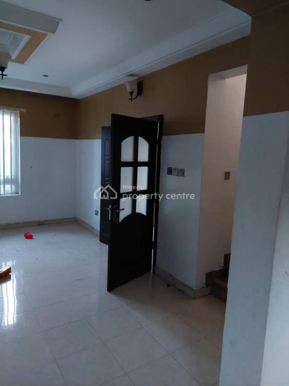 a Lovely 3 Bedroom Terrace  Duplex 3 in The Compound, Omole Phase 2, Ikeja, Lagos, Flat for Rent