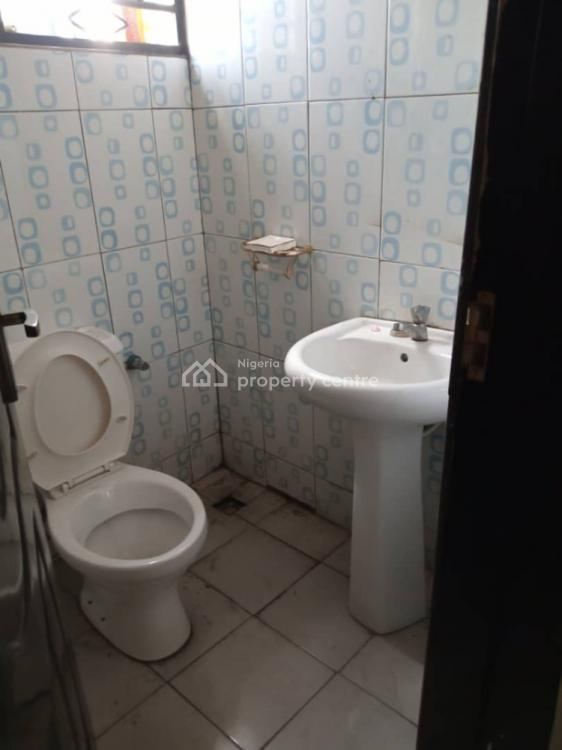 Live 3 Bedroom Flat in a Good Environment, Off Apata Road, Shomolu, Lagos, Flat for Rent