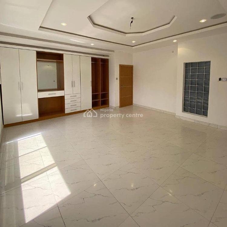 Exquisite 5 Bedrooms with Bq, 2nd Tollgate, Lekki Phase 1, Lekki, Lagos, Detached Duplex for Sale