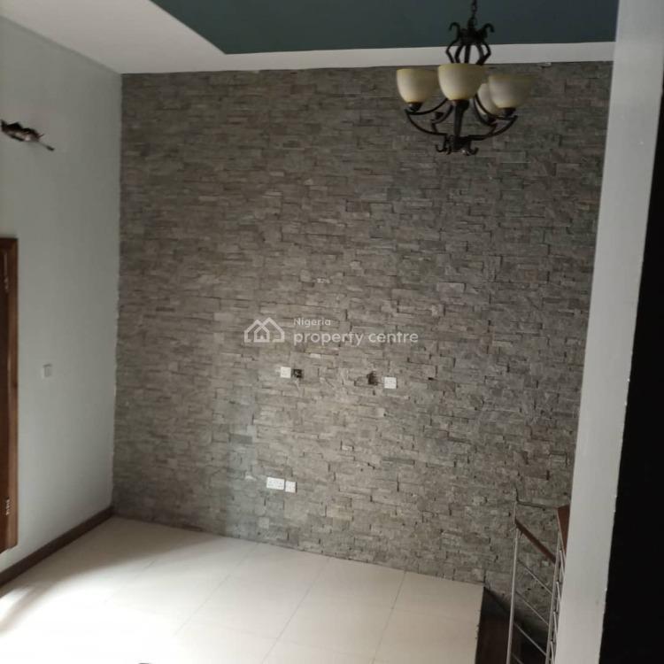 Clean 1 Bedroom Apartment, Off New Market Road, Oniru, Victoria Island (vi), Lagos, Mini Flat for Rent