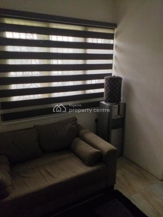 2 Bedroom Flat, Lekki Phase 1, Lekki, Lagos, Office Space for Rent