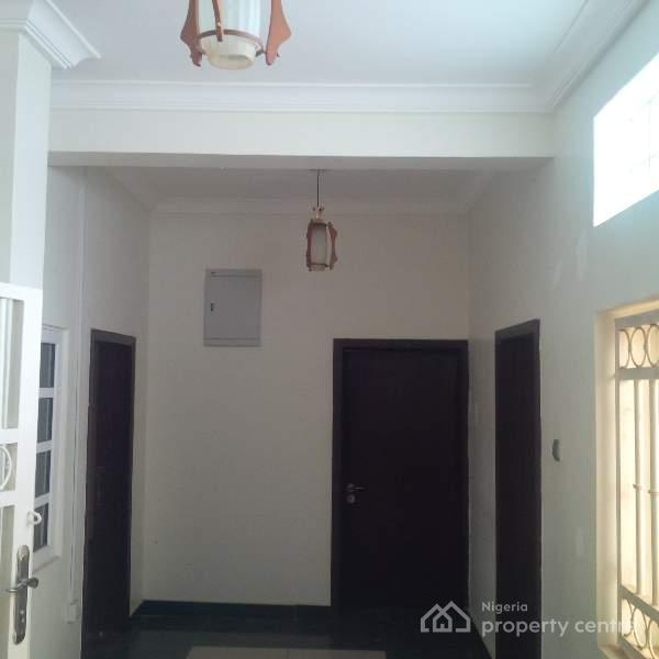 For Rent: Luxury & Exquisitely Finished 5 Bedroom Detached