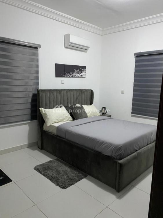 2 Bedrooms, Novabase Estate, Olubunmi Owa Street, Lekki Phase 1, Lekki, Lagos, Flat / Apartment Short Let
