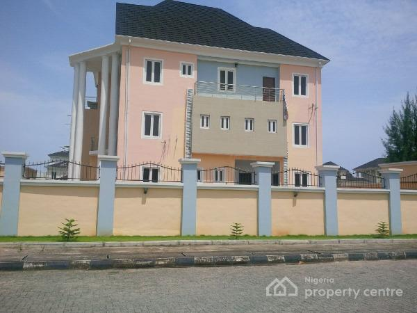 Massive Luxuriously Finished New 5 Bedroom Detached House With Large Compound Space Ikoyi