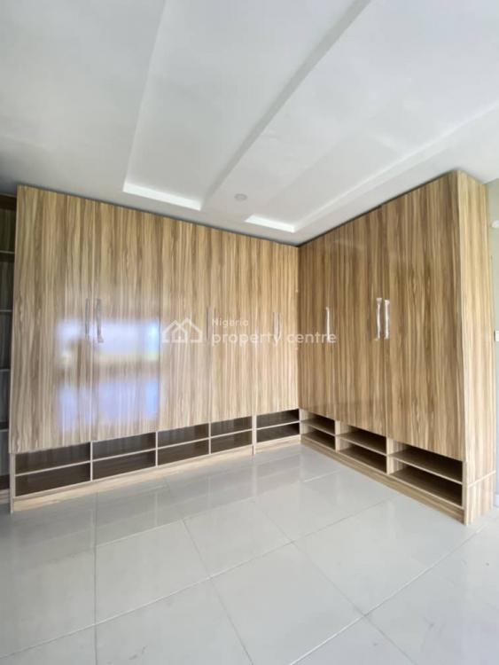 Magnificent 5 Bedrooms  Detached Duplex with 2 Serviced Quarters, Pinnock Beach, Lekki, Lagos, Detached Duplex for Sale