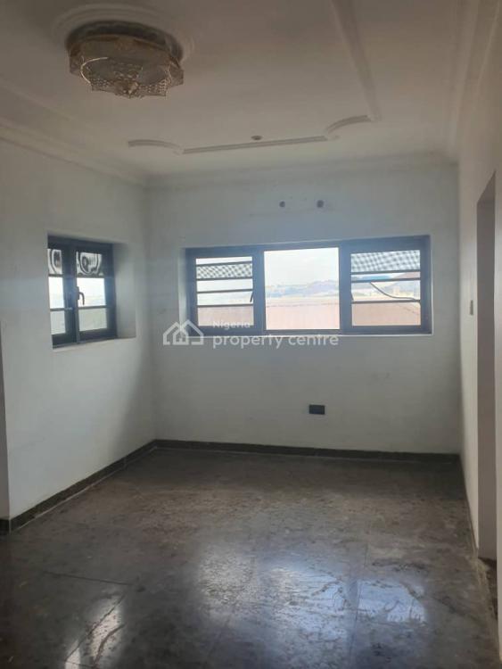 3 Bedroom Flat, Brooks Estate, Gra Phase 2, Magodo, Lagos, Flat / Apartment for Rent