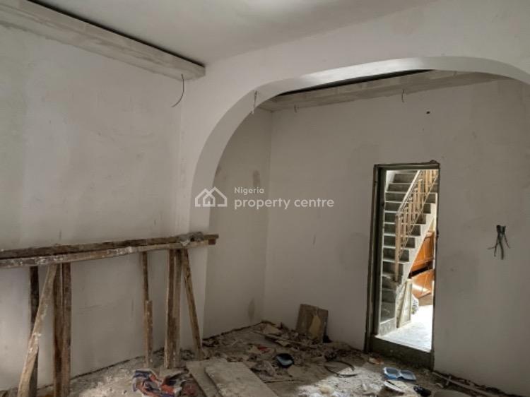 Newly Renovated 2 Bedrooms Flat, Nuruonuwo Off Adelabu Street, Surulere, Lagos, Flat for Rent