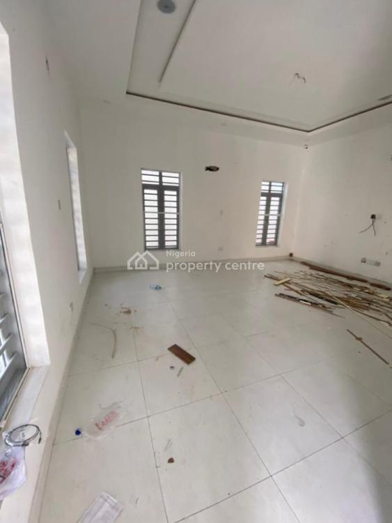 Nicely Built Three Bedroom Flat, Lekki Phase 1, Lekki, Lagos, Flat / Apartment for Rent