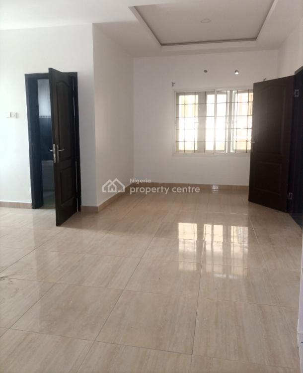 Nice, Standard and Spacious Self Contained, Chevron, Lekki Expressway, Lekki, Lagos, Self Contained (single Rooms) for Rent