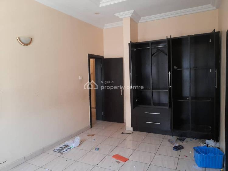 a Neat 3 Bedroom Apartment, Osapa, Lekki, Lagos, Flat for Rent