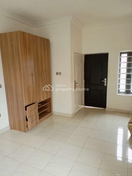 2 Bedroom Well Finished Flat, Lekki County, Lekki Phase 2, Lekki, Lagos, Flat for Rent